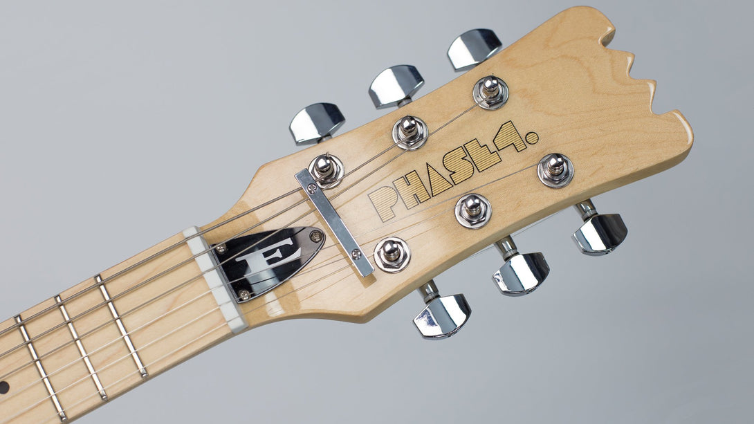 Eastwood Guitars Hi Flyer Phase IV MT White Headstock