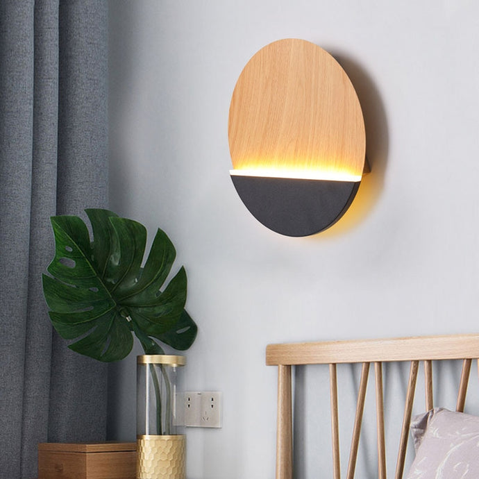 Hallie Wall Lamp