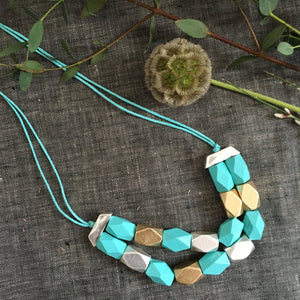 sky-silver-wooden-geometric-necklace