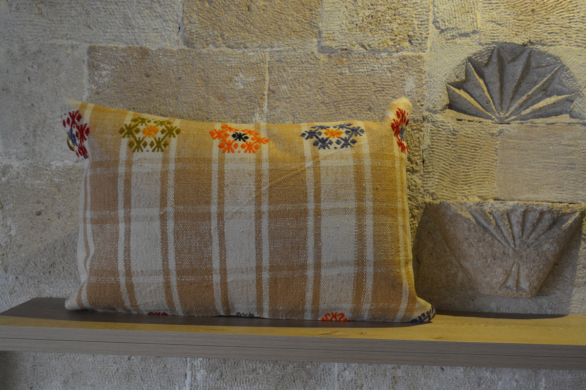 "Vintage Pillow Cover, Kilim Cushions, Sofa Pillow, Lumbar Pillow, Aztec Pillow, Turkish Pillow  Colored Pillow,   16""x24"" - EA209"