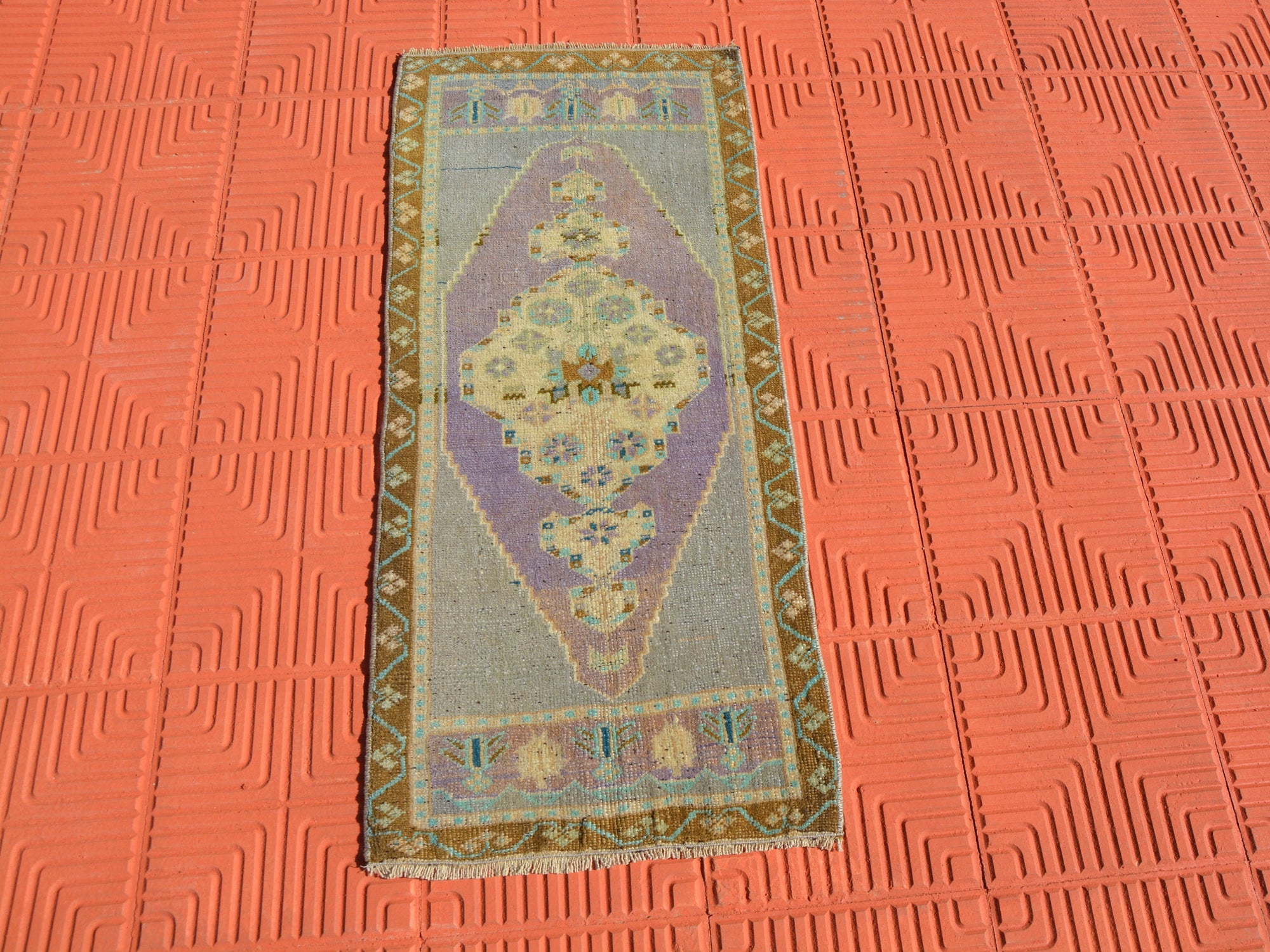 Small Anatolian Rug, Antique Rug, Traditional Rug, Oushak Area Rug, Vintage Turkey Rug, Vintage Persian Style Rug,   1.6 x 3.9 Feet AG1623