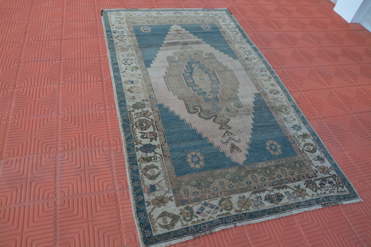 Vintage Rug, Turkish Rug, Vintage Rugs, Antique Traditional Rug, Kitchen Rug, Morrocan Rug, Antique Rug,    4.3 x 7.5 Feet AG1642