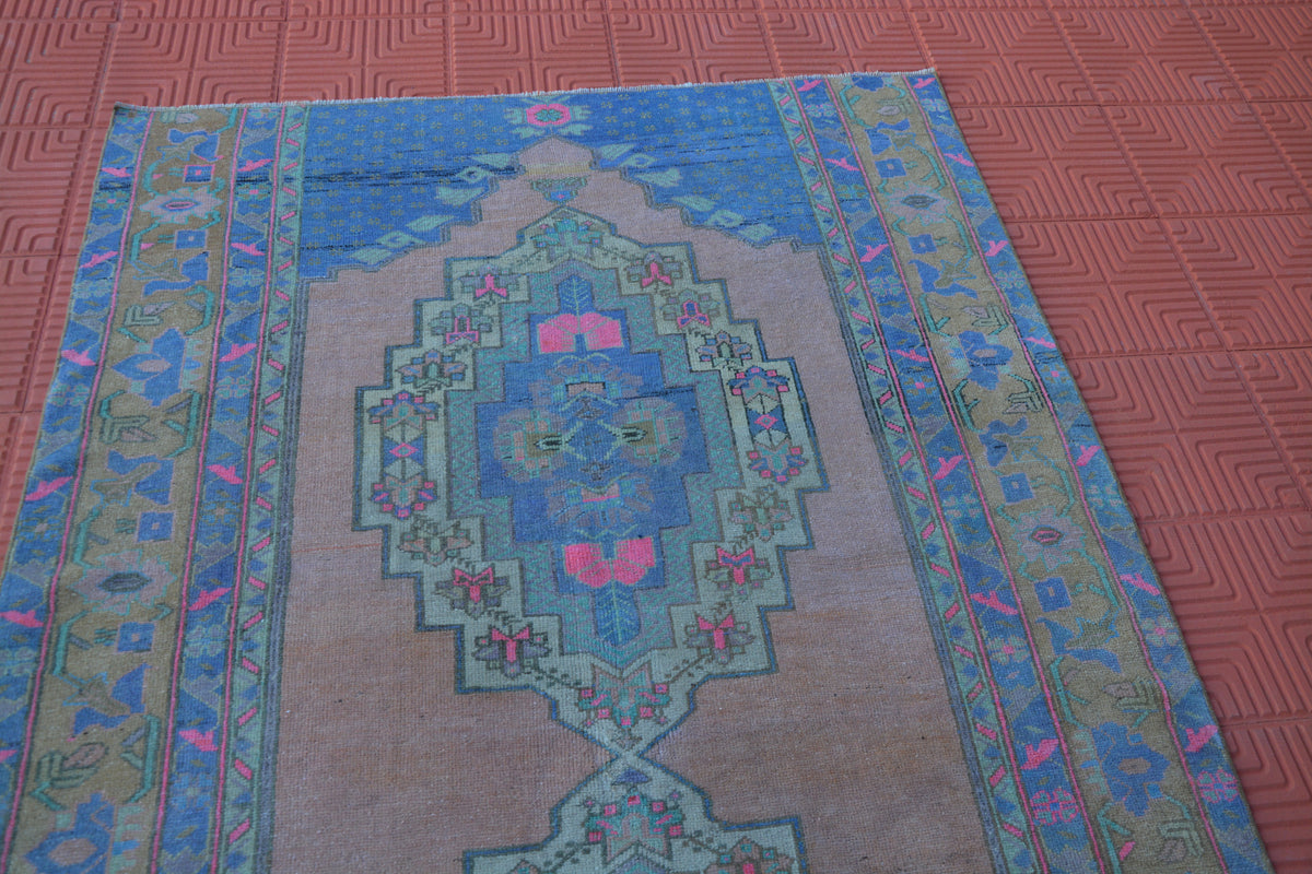 Faded Persian Style Rug, Berber Rug, Oushak Antique Rug, Anatolian Carpet, Tapis Berber, Vintage Turkey Rug,      4.9 x 8.3 Feet AG1568