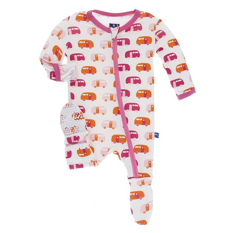 <span>Zipadeedoodah!  Our signature Footie now comes with the option of a zipper!  Easy on and off.  Just perfect for those middle of the night changes.</span><span></span> <div></div> <div>Sizes Preemie through 6-9 months are our Classic Layette fit, while sizes 9-12 and up are Fitted.  Not treated with flame retardant.  <br> <div></div> <div>Made of 95% Viscose from bamboo, 5% Spandex</div> </div>