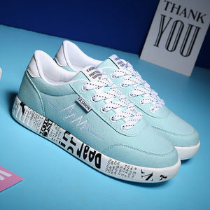 Women Vulcanized Shoes 2018 Fashion Sneakers Ladies Lace-up Casual Shoes Breathable Walking Canvas Shoes Graffiti Flat