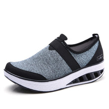 STQ 2019 Spring women sneakers shoes flat platform shoes women breathable mesh casual shoes slip on creepers walking shoes 7697