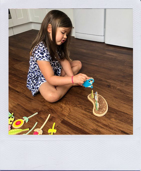 Sofia Reviews the Tender Leaf Toys Flowerbed