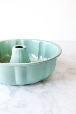 Enamel Bundt Cake Tin in Jadite Green