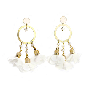Mariale White Flowers Earrings