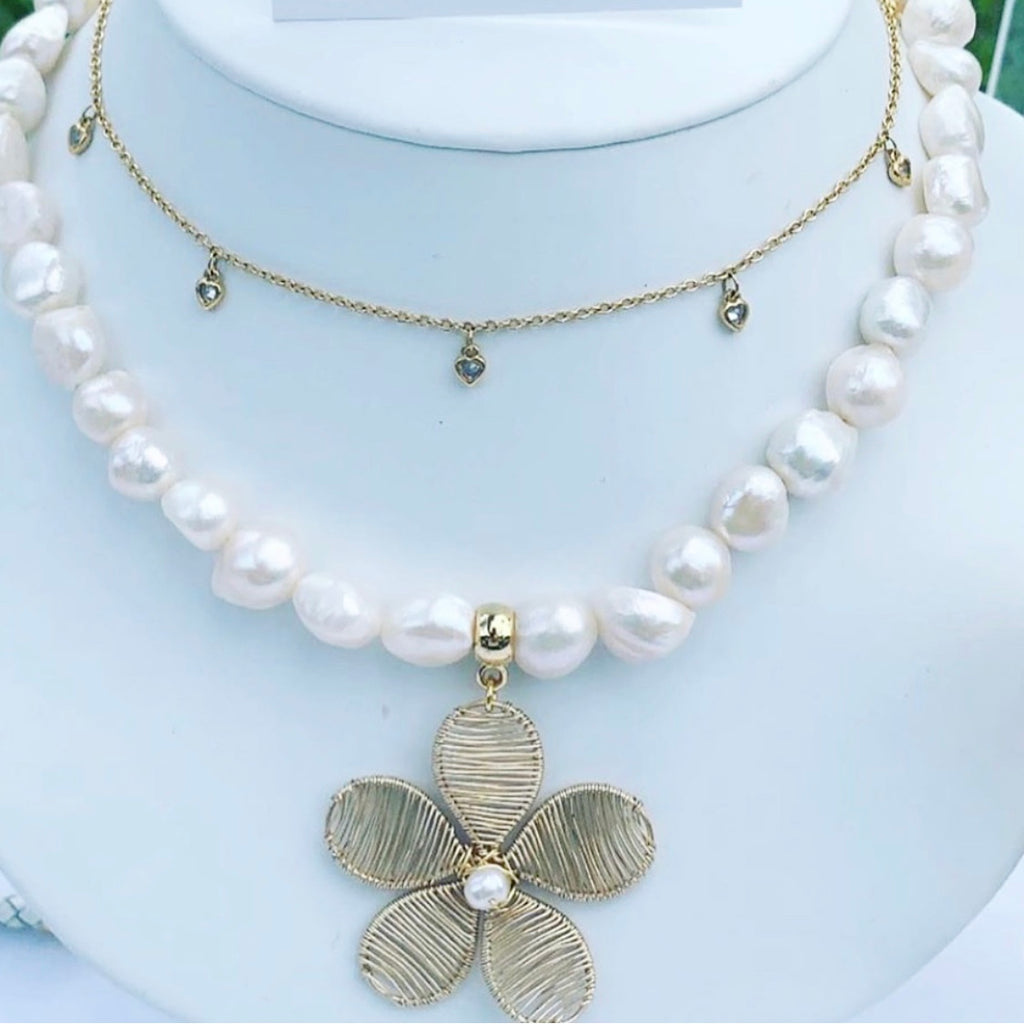 Flower, Baroque Pearl Short Necklace