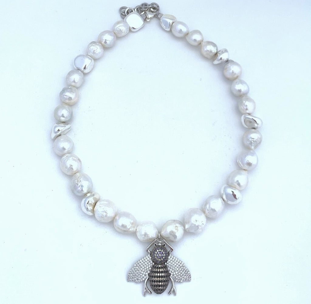 Bee Silver Short Necklace