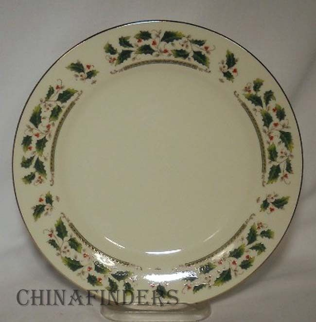 HOLLY HOLIDAY china HOME for the HOLIDAYS green mark Salad Plate - 7-5/8