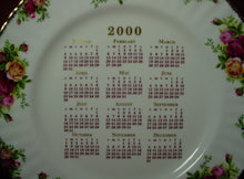 ROYAL ALBERT china OLD COUNTRY ROSES pattern CALENDAR PLATE 2000 Michael Doulton