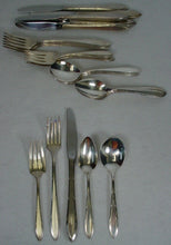 ONEIDA Silver REVERIE 1937 silverplate 30-pc SET SERVICE for 6 Grille