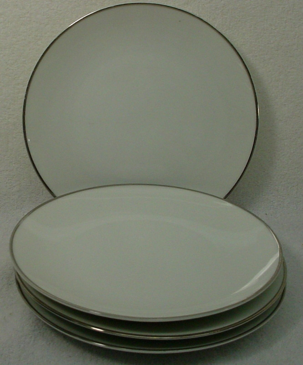 NORITAKE china FREMONT 6127 pattern Bread & Butter Plate -Set of Four (4) 6-3/8