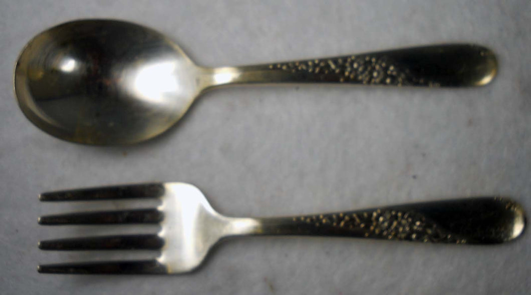 ONEIDA silverplate ENDEARABLE 1954 pattern Baby Set - Spoon & Fork