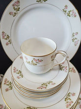 NORITAKE china Japan NipponHAKONE 11298 pattrn 36-piece SET SERVICE for Four (4)