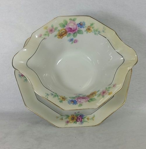 TIRSCHENREUTH china WREXHAM Gravy with attached underplate Bavaria