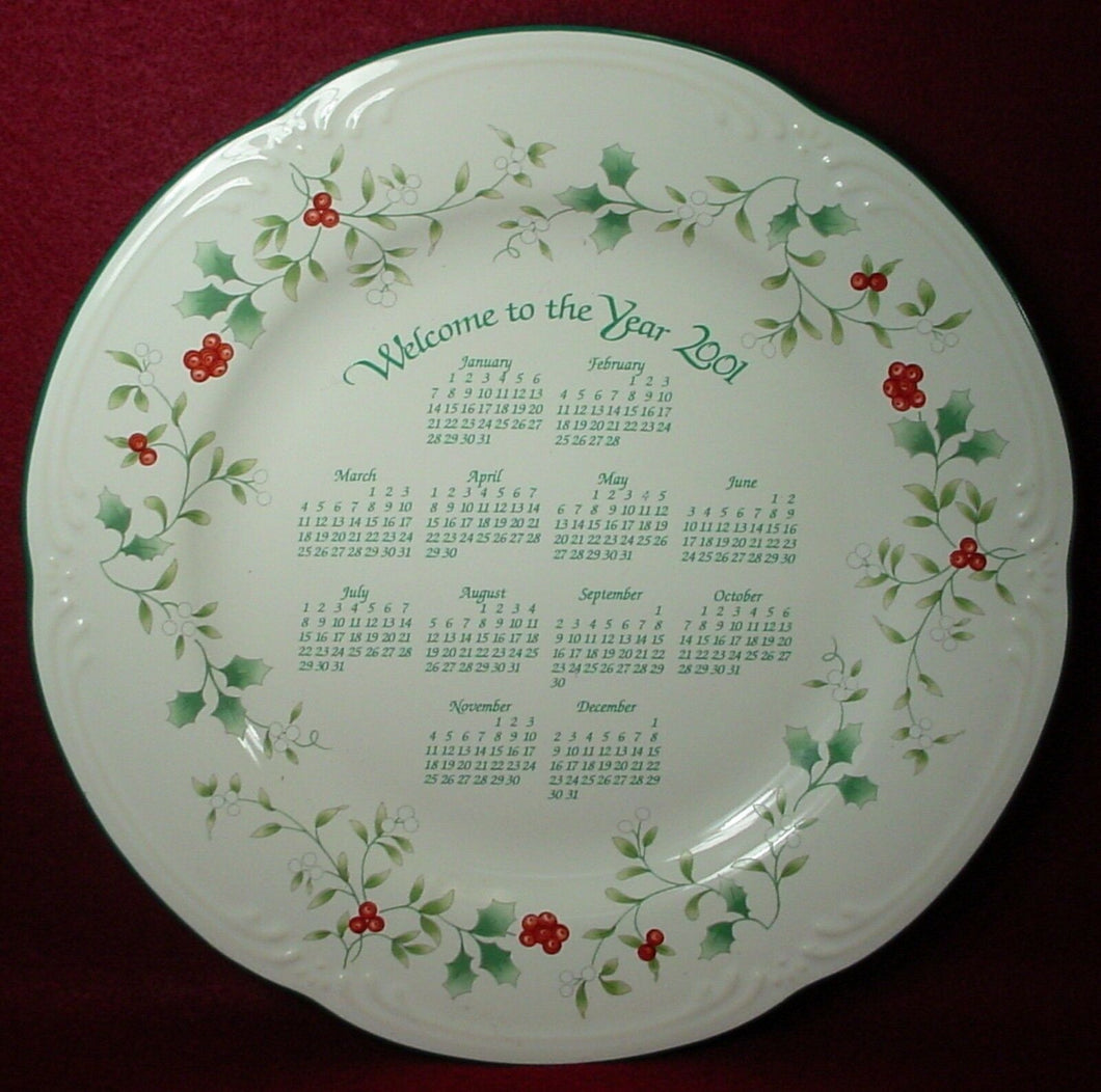 PFALTZGRAFF china WINTERBERRY pattern 2001 CALENDAR PLATE 10-3/8