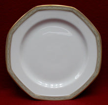 MIKASA china TUDOR ROW Y0080 pattern 42 pc Set - cup/dinner/salad/soup/creamer