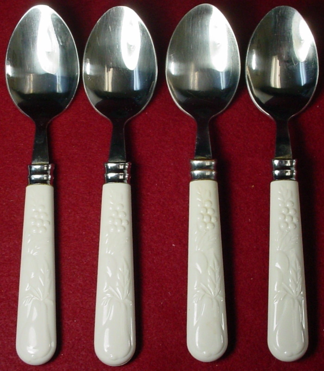 GIBSON flatware FRUIT ACCESSORIES pattern PLACE/OVAL SOUP SPOON 7-5/8