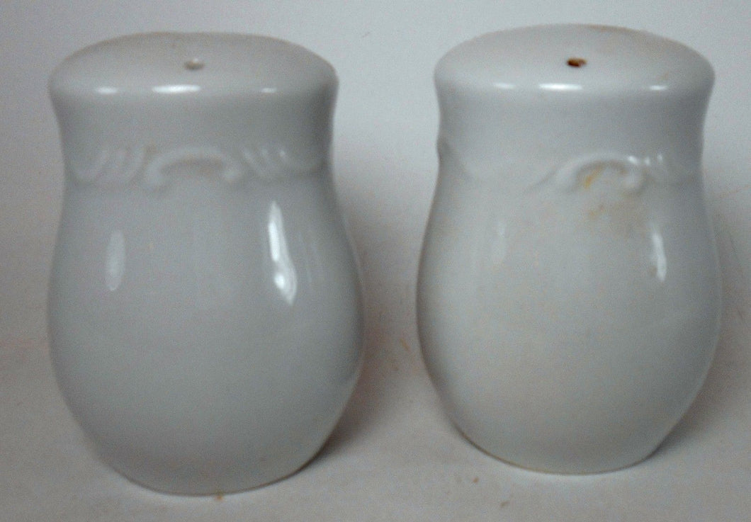 GIBSON DESIGNS china GRAND NOBILITY pattern Salt & Pepper Shaker Set