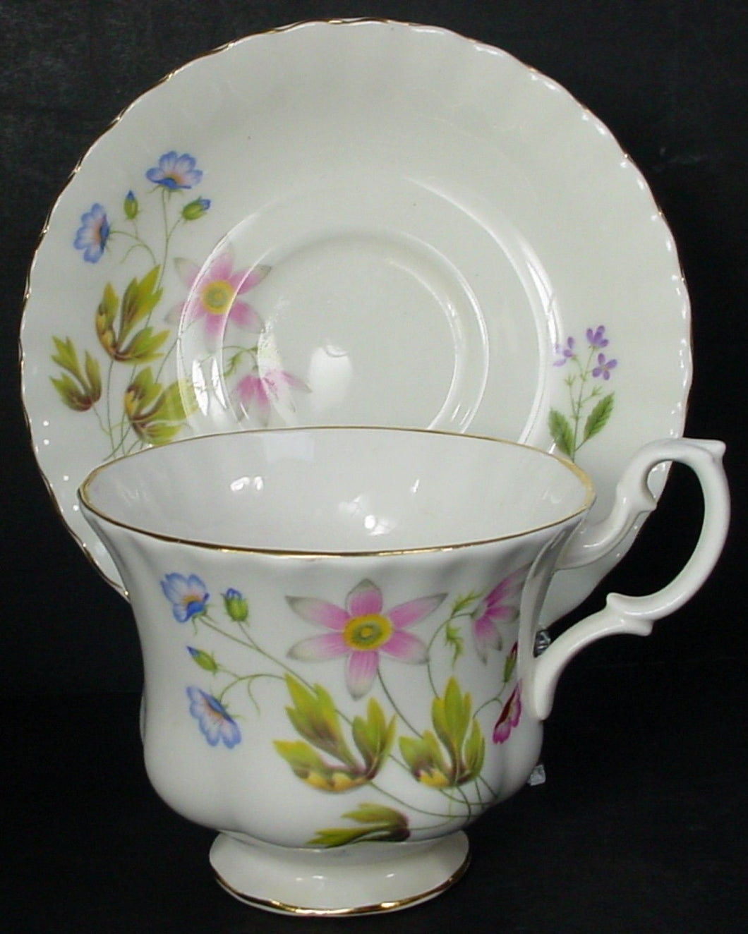 RICHMOND china WILD ANEMONE ribbed pattern CUP & SAUCER set Cup 2-7/8