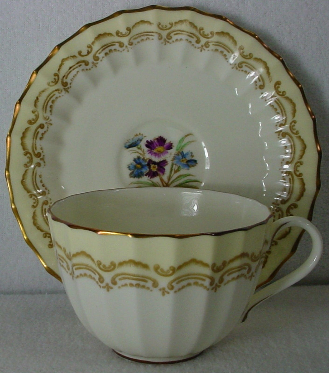 ROYAL WORCESTER china CROMWELL Z1718 pattern CUP & SAUCER Set 2-3/8