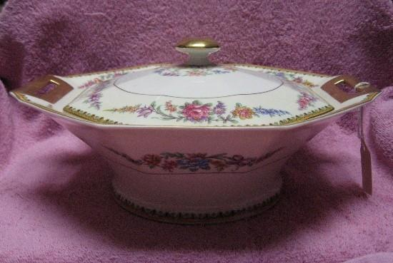 HAVILAND china FRONTENAC pattern OCTAGONAL COVERED BOWL