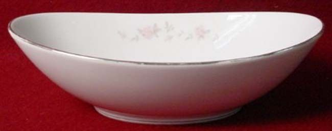NORITAKE china BELLEMEAD 6314 pattern OVAL VEGETABLE