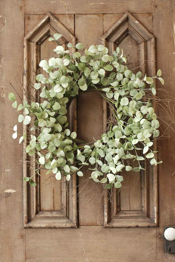 Large Silver Drop Eucalyptus Wreath, 26""