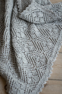 Baby Blanket with Leaf Fall | pattern