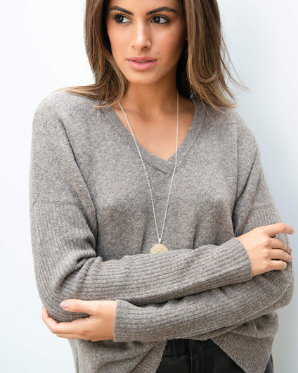 101 V neck knit in coffee