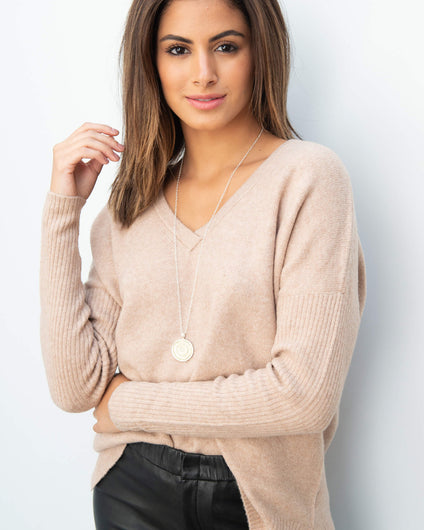101 V neck knit in beige