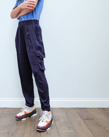 RA 8209 Cargo pant in navy