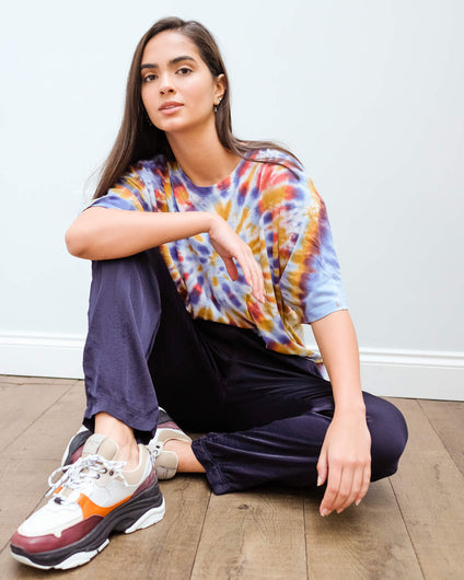 RA 4028 Oversized tie dye tee in rainbow