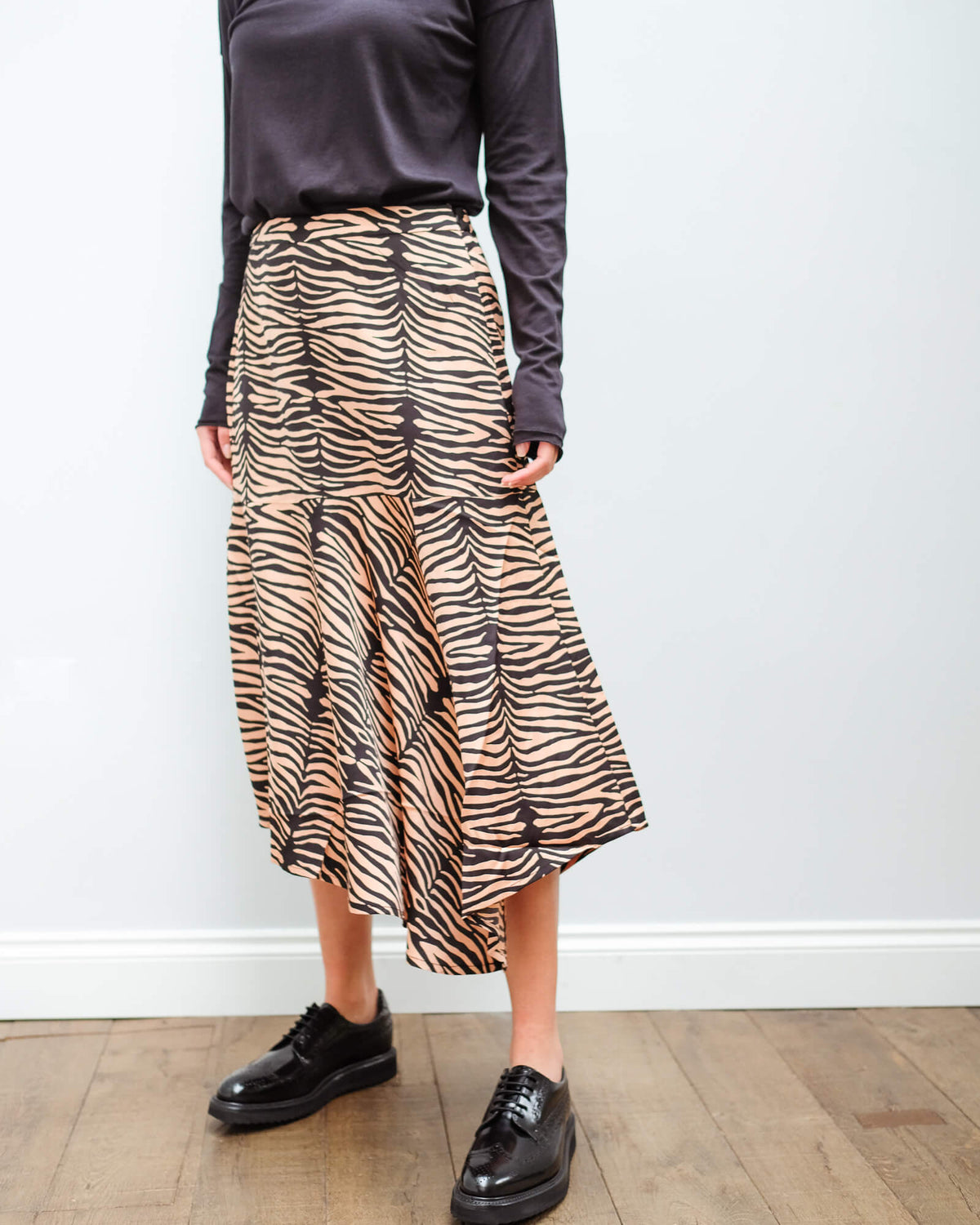 M Key zebra skirt in camel