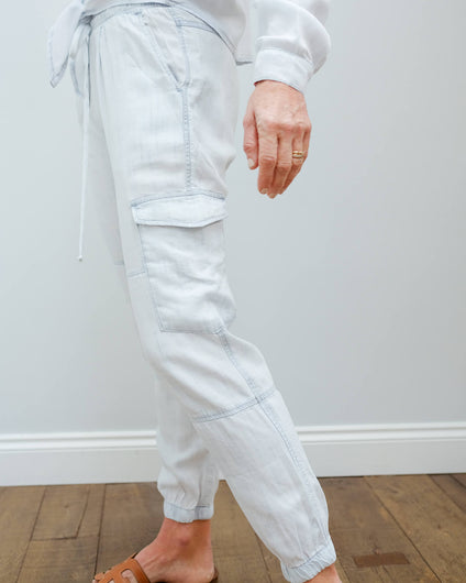 BD 3816 Utility cargo jogger in white out