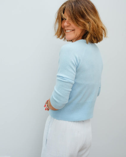 JU Shrunken Vee cardi in powder blue