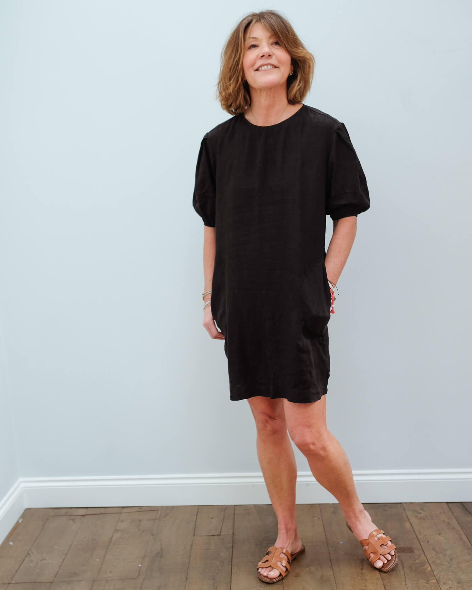V Devon dress in black