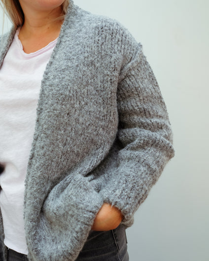 AV TUD19 Cardi in Grey Chine