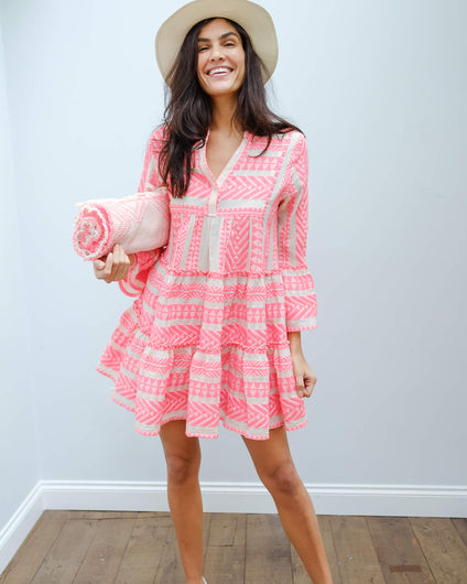 D 193 Short Ella dress in neon pink