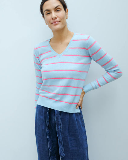 JU Boyfriend stripe Vee in powder blue