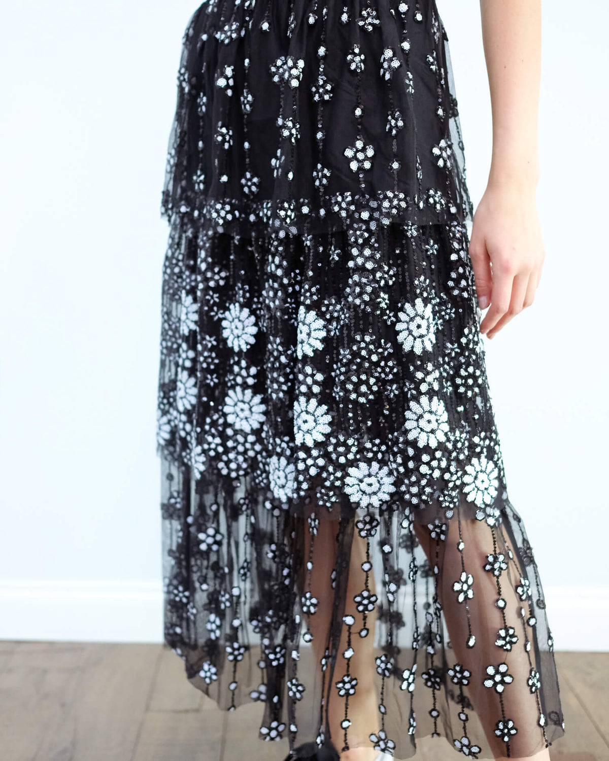 SP Deco sequin tiered midi skirt in black