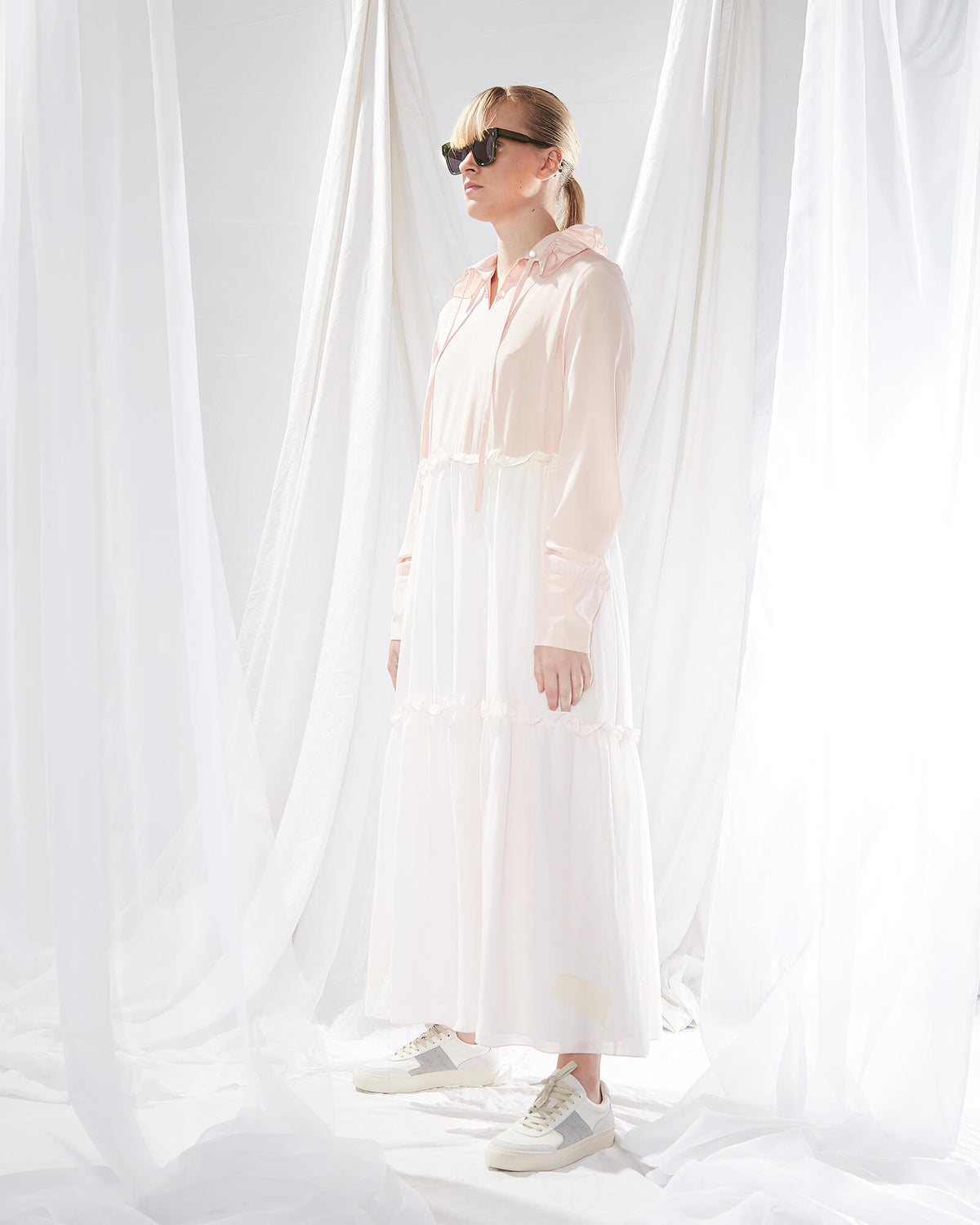 EM Tiered ruffle collar dress in pink marble