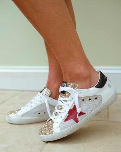 GG Superstar 182 in white, black , gold with red star