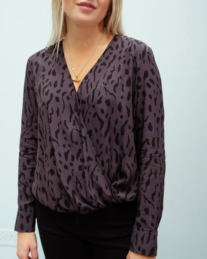 RAILS Hillary top in ash cheetah