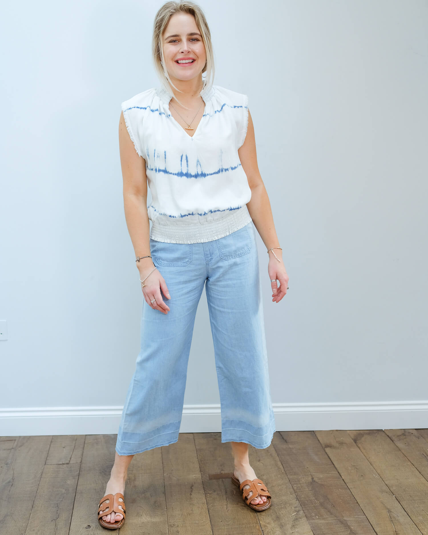 BD 4436 Shirred tie waist top in indigo white out