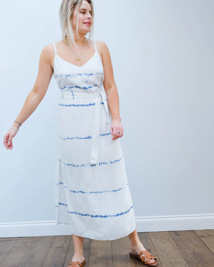 BD 6422 Smocked waist maxi dress in indigo white