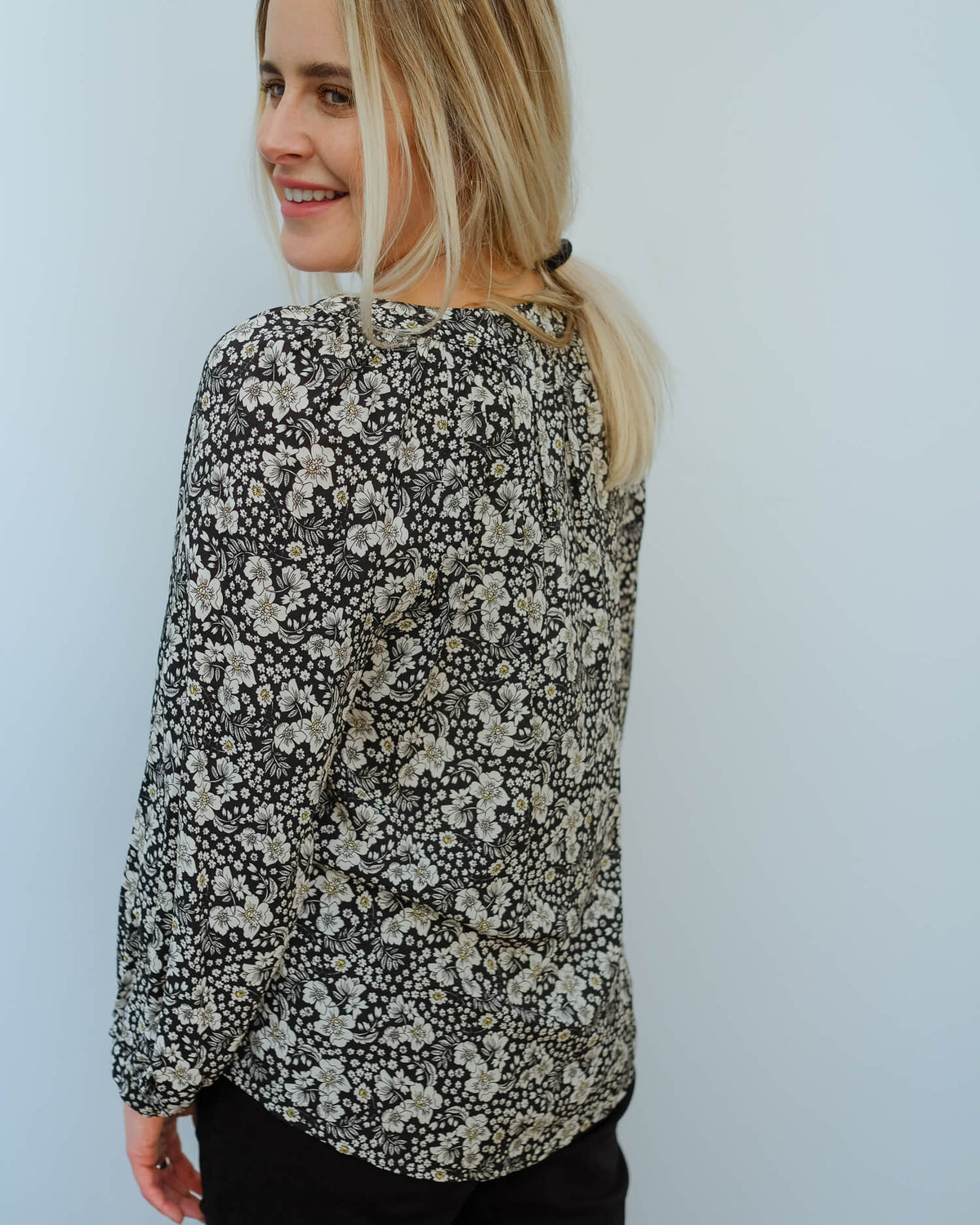 V Briana printed blouse in crocus